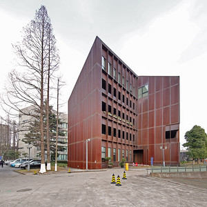 05 Tongji-Universität:  Chinesisch-Französisches Zentrum.  Atelier Z+, 2006