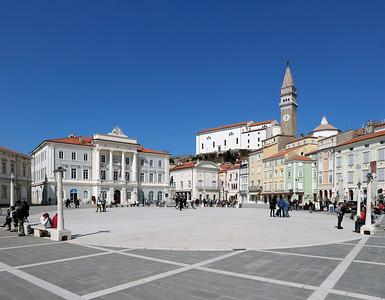 02 Der Tartini-Platz in Piran ist das Zentrum der Stadt an der slowenischen Adriaküste.