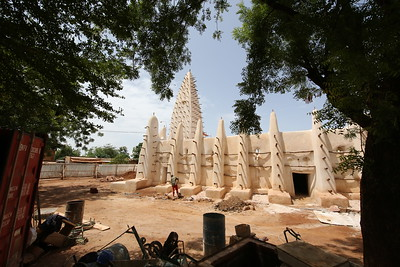 Mosque of Dioulasso-Bâ in Bobo-Dioulasso, Burkina Faso, a fine example of Sudano-Sahelian architecture made of earth and wooden beams