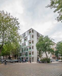 11 Shortlist: Far Frohn & Rojas. Wohnregal, Berlin.