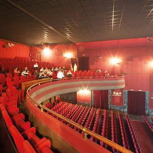 05 Theater