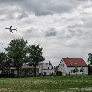 Premierenflug des Airbus A 380 über dem Dorfkern Schönefelds während der Internationalen Luftfahrtausstellung (ILA) 2006 © Johanna Schlaack