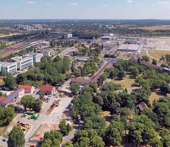 Luftbild Entwurfsgebiet nördlich des Flughafengebäudes im Ortsteil Schönefeld. Quelle: Philipp Meuser 2010