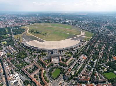 Luftbild Flughafen Tempelhof. Quelle: Philipp Meuser 2009