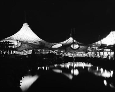 04 Expo-Pavillon, Außenansicht bei Nacht