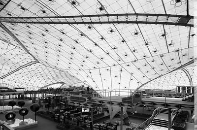 05 Expo-Pavillon, Innenansicht mit Ausstellungsterrassen