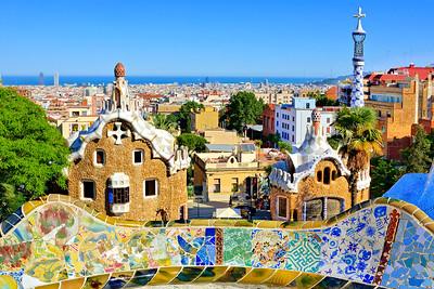 01 Antoni Gaudí. Sagrada Familia, Barcelona (1883–)