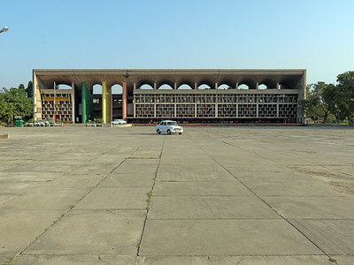 05 Le Corbusier. High Court, Chandigarh, 1951–1955