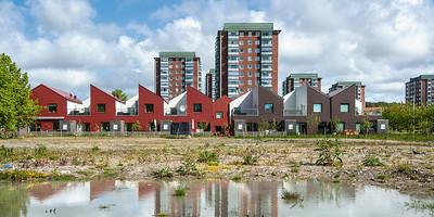09 ÄPPLETRÄDGÅRDEN | GÖTEBORG  HOCH UND NIEDRIG Als ergänzendes Wohnraumangebot wurden zweigeschossige Reihenhäuser eingefügt.