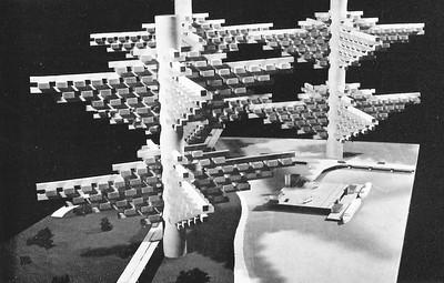 02 Modell einer Stadt über der Erde. Entwurf: Arata Isozaki.