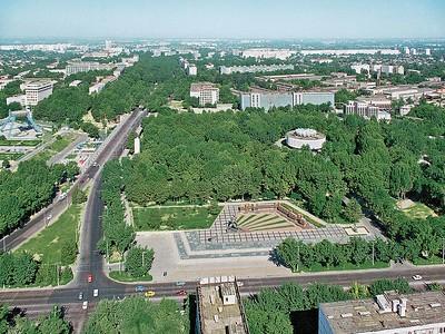 Aerial view of the 1966 Earthquake MonumentLuftaufnahme auf das Mahnmal zum Gedenken an das Erdbeben von 1966Image: © Tashkent House of Photography