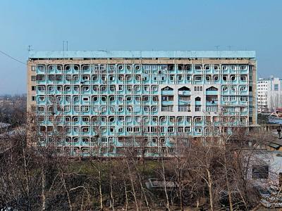 Residential building of 1-T SP Series on prospect Beruni, ca. 1975Wohngebäude der 1-T SP Serie auf dem Beruni-Prospekt, ca. 1975Image: © Philipp Meuser