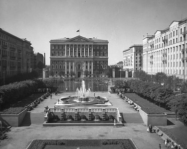 View of Soviet Square from the Lenin Institute. Between 1940 and 1947
