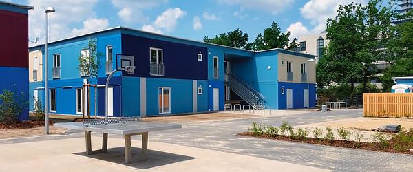 Modulares Wohnen in HannoverFeldschnieders+Kister Architekten BDAFertiggestellte Wohnhäuser und Außenanlagen im Sommer 2015Bild: © Feldschnieders + Kister Architekten BDA