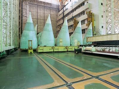 Eine der Montagehallen im Kosomodrom Baikonur. Foto: Philipp Meuser
