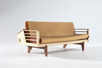 17 Harry Rosenthal, Entwurf für eine Schlafcouch, 1949 zum Patent angemeldet, ModellFoto: Maximilian Merz