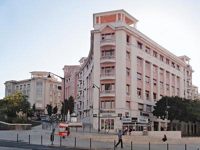 Bild 02: Wohnungsbau in der Großstadt: Bairro Azul, ein Großstadtquartier für Mittelschichten in Lissabon