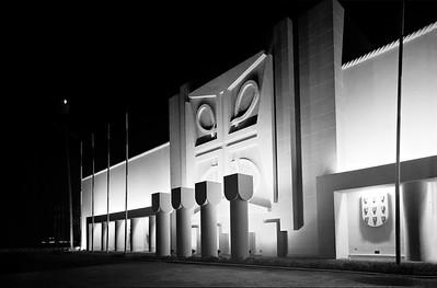 """Bild 07: """"Pavillon der Entdeckungen"""" bei Nacht, Architekt: Porfírio Pardal Monteiro, Foto: Mário Novais, 1940."""