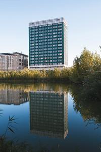 11 Ingenieursgebäude | Engineering Building, E. Paton Institute. 1967—1975. Architekten | Architects: S. Fridlin, B. Kucher, V. Koval. Ingenieure | Engineers: A. Ananievsky,  A. Grishkova, E. Epshtein. Kiev | Kyiv