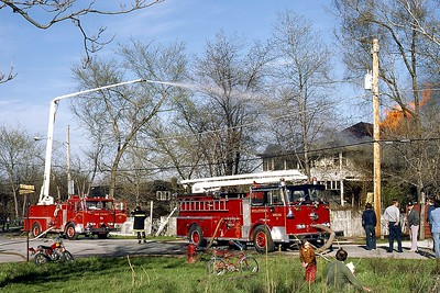 OAK FOREST AND MIDLOTHIAN SEAGRAVE SQURTS   DON FEIPLE PHOTO