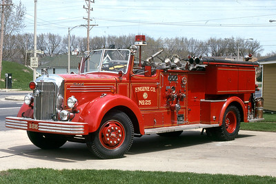 ENGINE 25  1949 MACK 750-