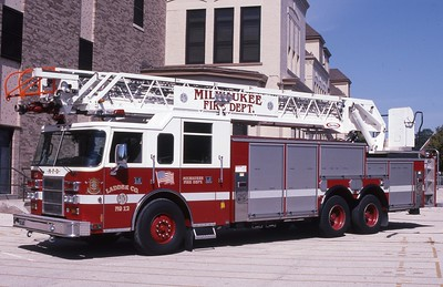 LADDER 12  1998 PIERCE DASH  105'