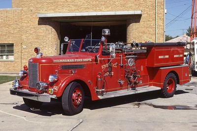 ENGINE 22  1956 PIRSCH  750-200 DF