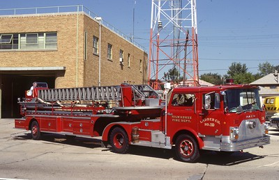 LADDER 19  1970 MACK-PIRSCH  85'  DF