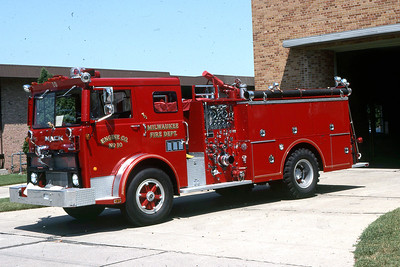 ENGINE 10  1975 MACK-HOWE  1500-400 DF
