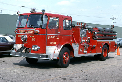 ENGINE 33  1964 SEAGRAVE  1000-300  CODE 393