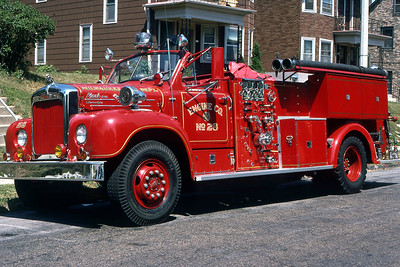 ENGINE 28  1957 MACK B95  1000-250