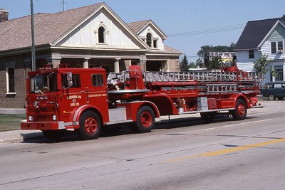LADDER 16  1975 MACK-1949 PIRSCH  85'  DF
