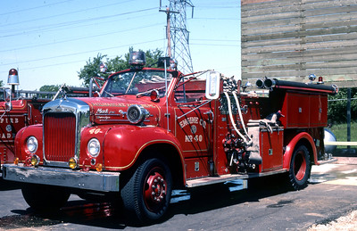 ENGINE 40  1956 MACK B95  1000-200