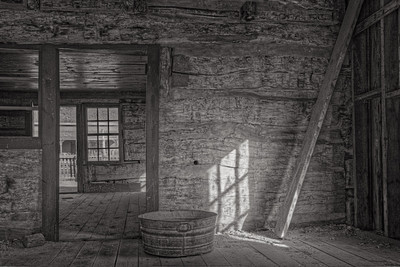 Grafton Cabin Inside (5D2)