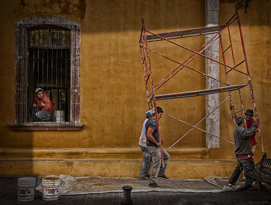 Moving Scaffolding at the 'Bellas Artes'