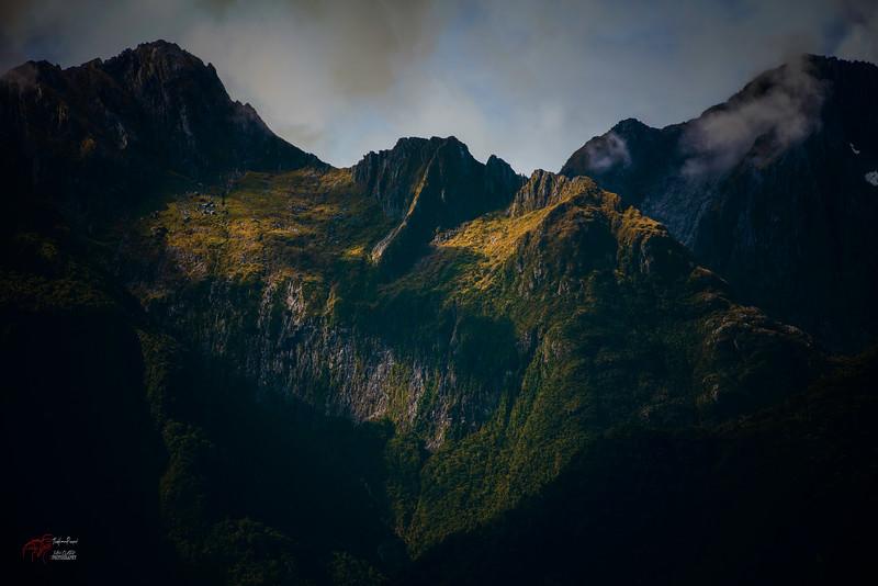 The Peaks Beaming Away