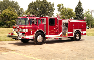 DOWNERS GROVE  ENGINE 5   FORD C-8000 - E-ONE
