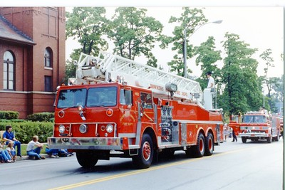 DGFD  TRUCK 460  4th of JULY PARADE