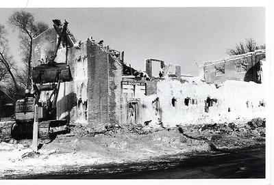 RUINS FROM ROGERS STREET FIRE  1-2-85