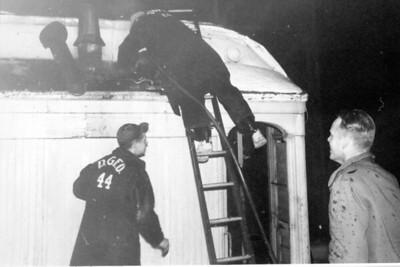 RAILROAD CAR OAKWOOD & WARREN  2-12-1959