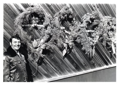 CHIEF JIM MRKVICKA KEEP THE WREATHES RED 12-17-80