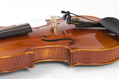 DPA 4061 in MHS6001 Holder for Strings_2