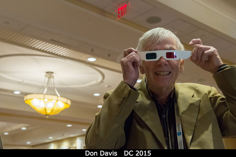 Don Davis starts off the 3D geology party in style.<br /> <br /> Credit: Henry Throop<br /> Oct 2015<br /> DPS47 National Harbor