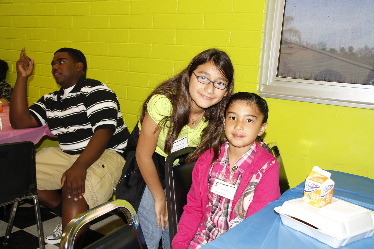 04 26 11_YOUNG ADULTS DAY_0009