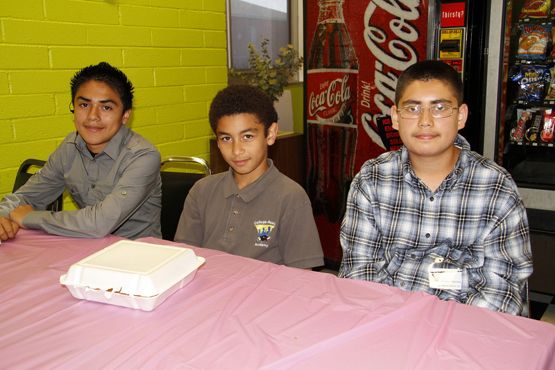 04 26 11_YOUNG ADULTS DAY_0015