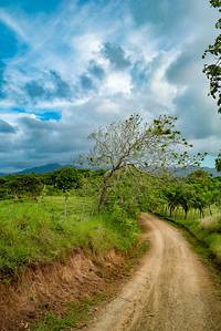 Road to Moñtana Redonda