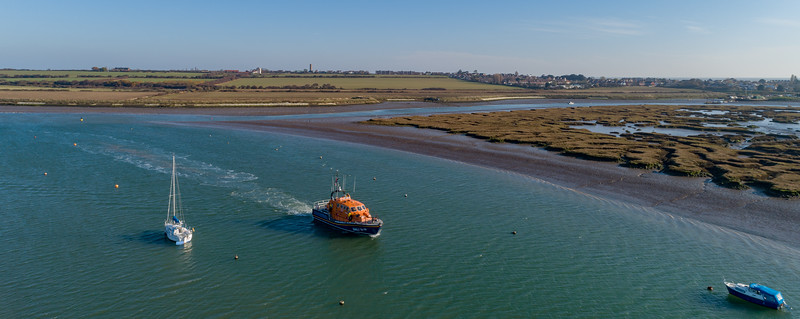 RNLB Irene Muriel Rees in the Twizzle heading to Titchmarsh Marina
