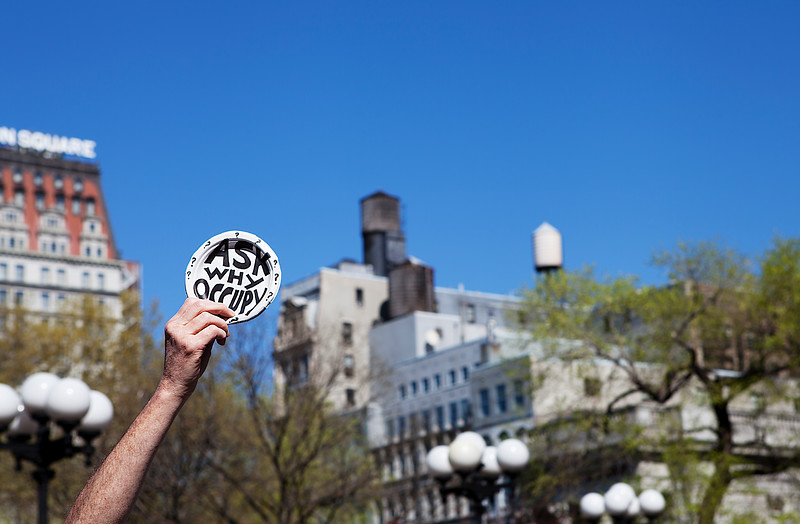 IMAGE: http://phlotography.smugmug.com/DRyan/New-York-City-2012/Union-Square-2012/i-rDjRmtS/0/L/MG5689-union-sq-occupy-L.jpg