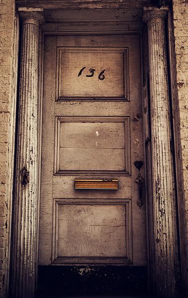 IMAGE: http://phlotography.smugmug.com/DRyan/New-York-City-2012/West-Village/i-k8p3r9k/0/L/MG3692-west-vlg-L.jpg