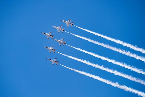 USAF Thunderbird Team Diamond Formation